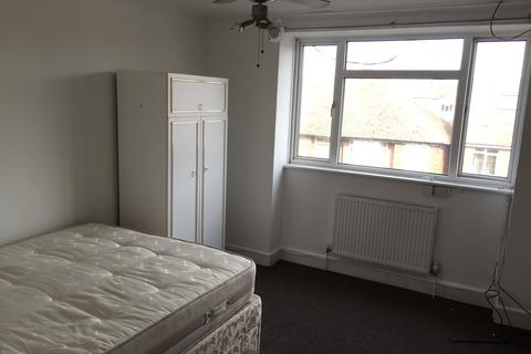 1 bedroom flat share to rent - Sheridan Mansions BN3