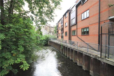 1 bedroom apartment for sale - Aldous House, Church Street, Staines-upon-Thames, Surrey, TW18