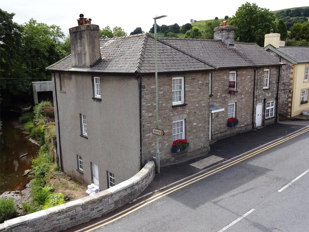 5 Bedrooms Detached House for sale in Sennybridge, Brecon, Powys