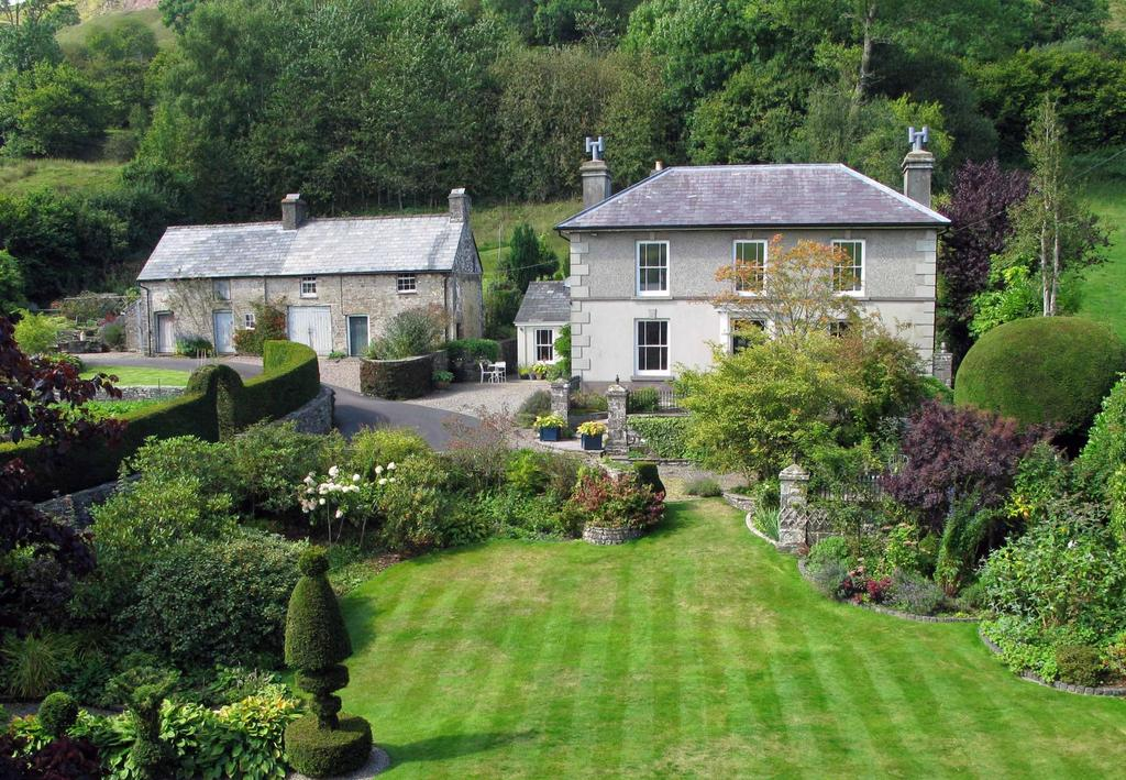 4 Bedrooms Detached House for sale in Defynnog, Brecon, Powys
