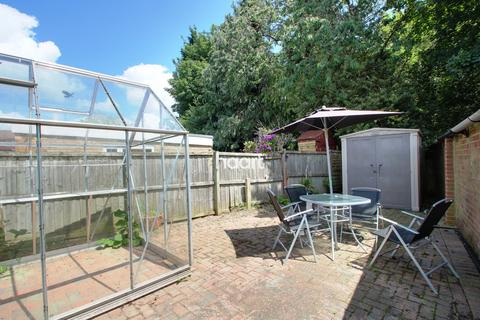 3 bedroom semi-detached house for sale - The Pasture, Ashford