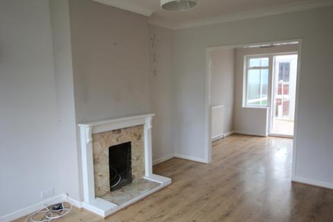 2 bedroom semi-detached house to rent - Capel Close, Chelmsford