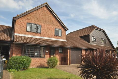 3 bedroom link detached house to rent - Shireway Close, Folkestone