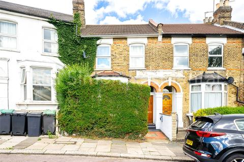 3 bedroom terraced house for sale - St Albans Crescent, Wood Green, London, N22