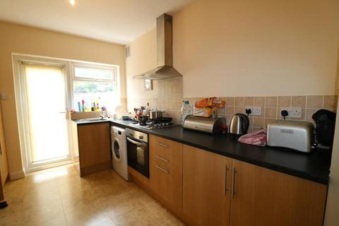 2 bedroom flat to rent - Goodwood Avenue, Enfield, EN3