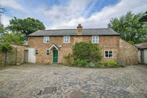 4 bedroom barn conversion to rent - Oliver Street, Ampthill