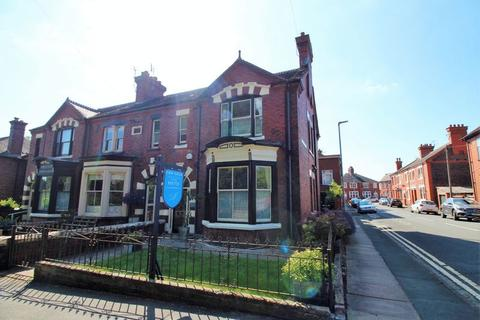 3 bedroom townhouse for sale - Queens Road, Penkhull, Stoke-On-Trent