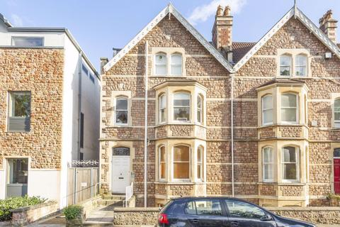 10 bedroom house share to rent - Whatley Road, Clifton