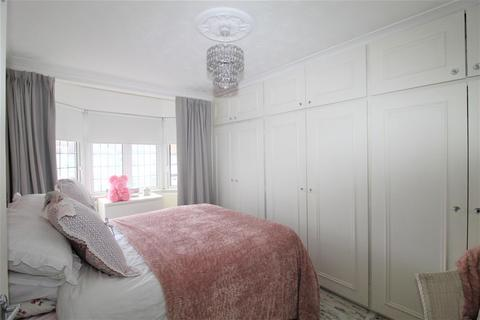 4 bedroom terraced house for sale - Northdown Road, Hornchurch