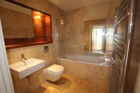 1 bedroom flat for sale - Waterside, 10 William Jessop Way, Liverpool, L3 1DX