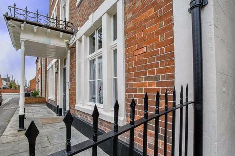 1 bedroom apartment for sale - Castle Mews, Ashton Street, Trowbridge, Wiltshire, BA14
