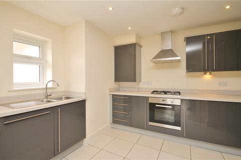 2 bedroom apartment to rent - Sidney Road, Staines-upon-Thames, TW18