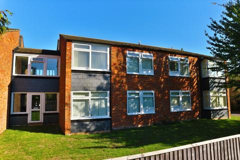 Studio to rent - Hartsbourne Road, Reading