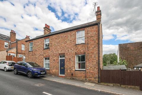 2 bedroom detached house to rent - Paxton Road, Berkhamsted