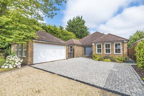 3 bedroom bungalow for sale - The Drive, Ickenham, Uxbridge, Middlesex, UB10