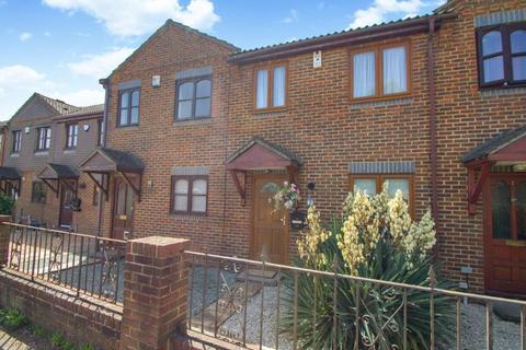3 bedroom terraced house for sale - Wellington Court, Stanwell Road, Ashford, TW15