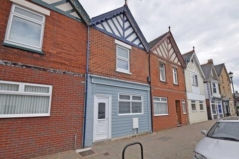 2 bedroom terraced house to rent - Clarence Road, , East Cowes