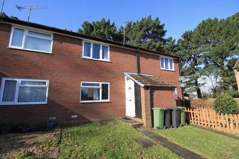 1 bedroom apartment for sale - ONE BED MAISONETTE WITH 172 YEAR LEASE IN KENNET CLOSE, WEST END