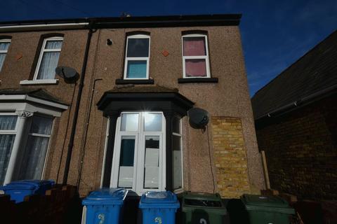 2 bedroom block of apartments - Queenborough Road, Halfway