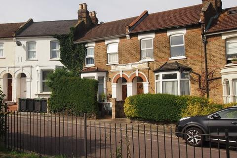 3 bedroom terraced house for sale - St. Albans Crescent, London, N22