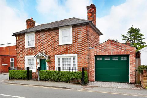 3 bedroom detached house for sale - Riding Lane, Hildenborough