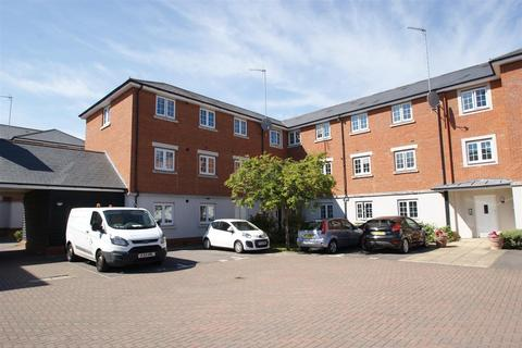 2 bedroom apartment for sale - Salisbury Close, Rayleigh