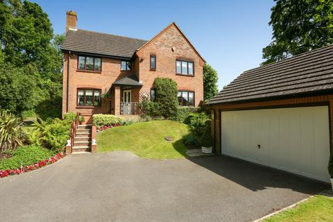 4 bedroom detached house for sale - Pharos Drive, Dover
