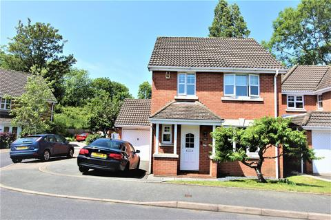 4 bedroom detached house to rent - Burlish Avenue, Solihull
