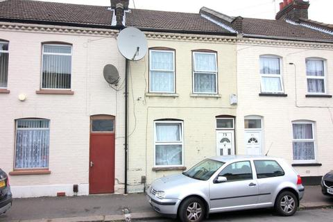 3 bedroom terraced house for sale - Wimborne Road, Luton, Bedfordshire, LU1 1PD
