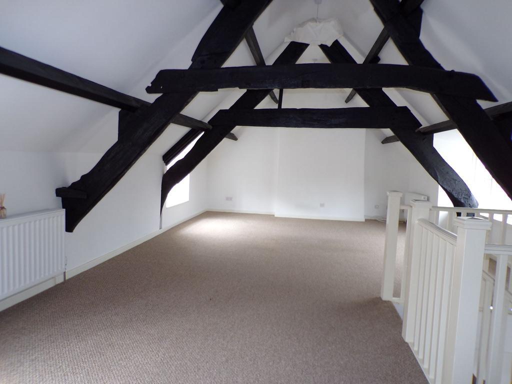 Top Floor Lounge   Maximum Measurements