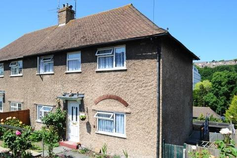 4 bedroom semi-detached house to rent - southhall avenue , Brighton BN2