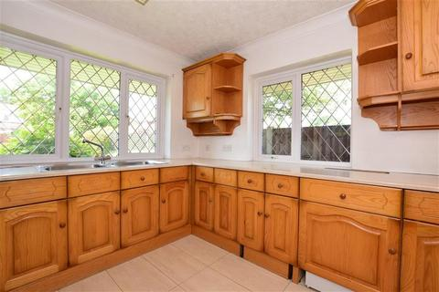 4 bedroom detached house for sale - Ferndown, Hornchurch, Essex