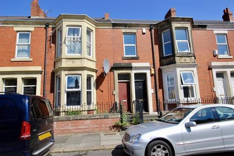 3 bedroom flat for sale - Wingrove Avenue, NE4 9AE