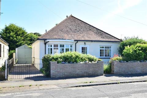 2 bedroom detached bungalow for sale - Haven Drive, Herne Bay, Kent