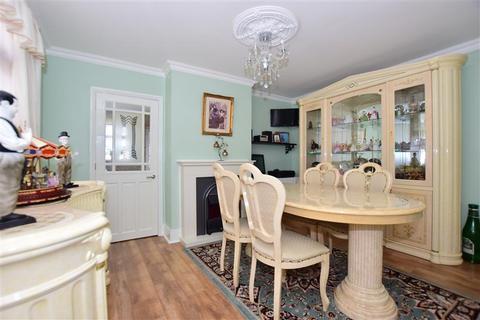 3 bedroom detached house for sale - Minster Road, Minster On Sea, Kent