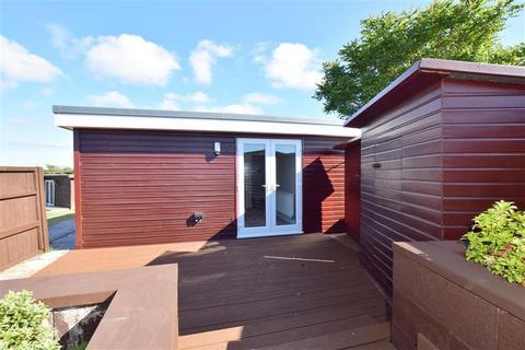 2 bedroom park home for sale - Marine Parade, Sheerness, Kent