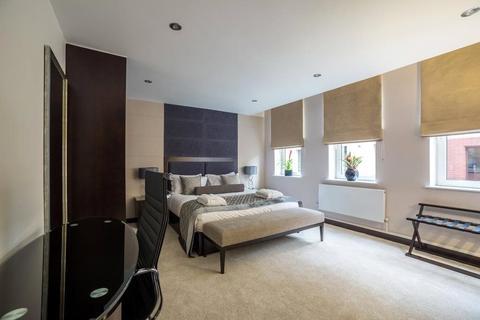 1 bedroom property to rent - The Headrow, Leeds, West Yorkshire, LS1