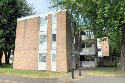 2 bedroom flat for sale - Cole Gardens, Cranford, TW5