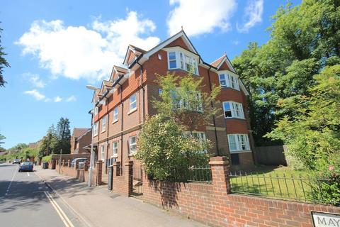 1 bedroom apartment to rent - Maypole Road, East Grinstead