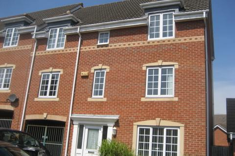 4 bedroom townhouse to rent - Carrington