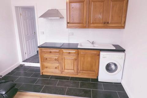 1 bedroom flat to rent - connought  rd, luton LU4