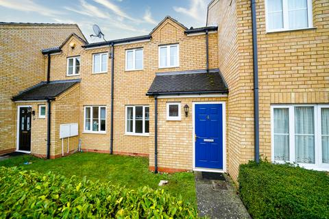 2 bedroom terraced house to rent - Pipit Close, Royston