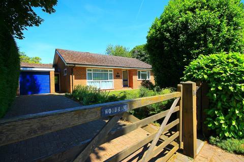 2 bedroom detached bungalow to rent - Wharfenden Way, Frimley Green