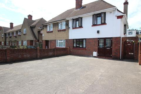 3 bedroom semi-detached house to rent - Marlborough Lane, London