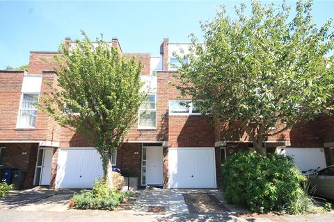 3 bedroom terraced house for sale - St. Marks Court, Newnham, Cambridge, CB3