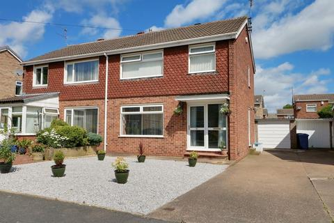 3 bedroom semi-detached house for sale - Springdale Close, Willerby