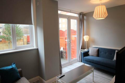 1 bedroom house share to rent - Swinnow Road, Bramley, Leeds