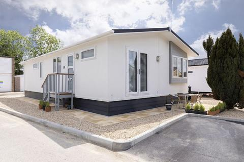 2 bedroom property to rent - Carterton Mobile Home Park, Carterton