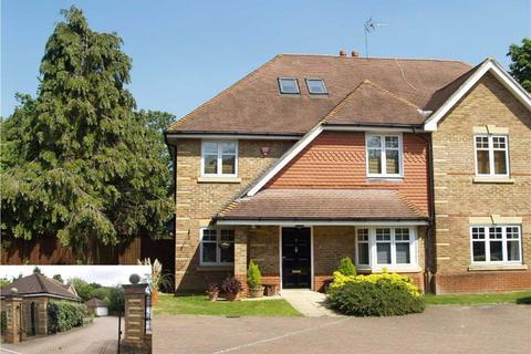 5 bedroom semi-detached house to rent - Sandridge Close, Hadley Wood, Hertfordshire
