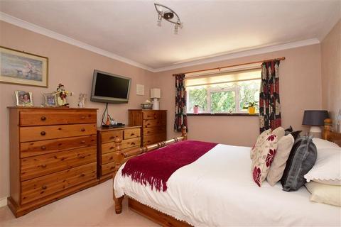 3 bedroom semi-detached house for sale - Holly Lane, Banstead, Surrey
